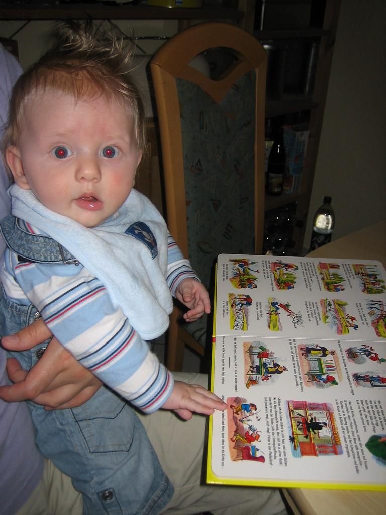 Max liest Max und Moritz